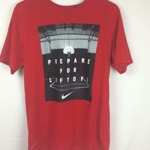 Men's Nike T-shirt dry fit size medium